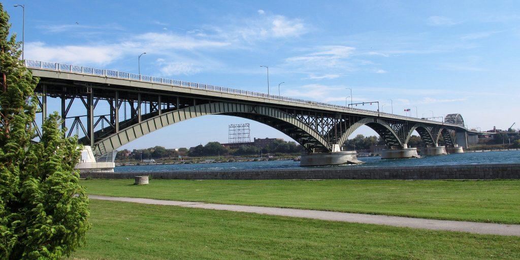 Fort Erie Peace Bridge Source: https://www.flickr.com/photos/takashi/15983968683/