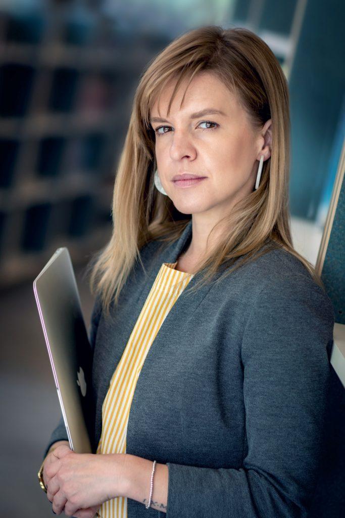 Photo of Laura Warren
