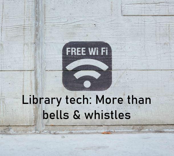 Free wifi icon on grey wooden background